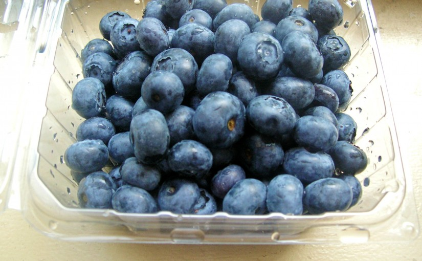 Blueberries are a heart healthy snack